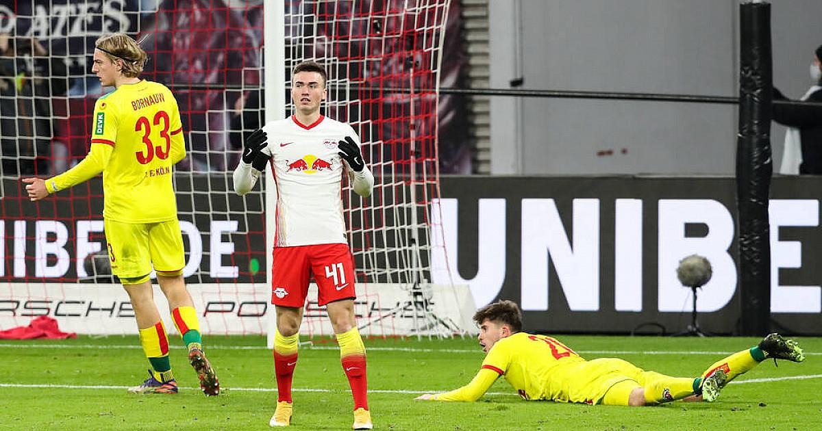 Dennis Borkowski na wypożyczeniu w 1. FC Nürnberg