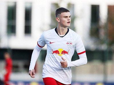 Fabrice Hartmann przedłużył kontrakt i został wypożyczony do SC Paderborn 07